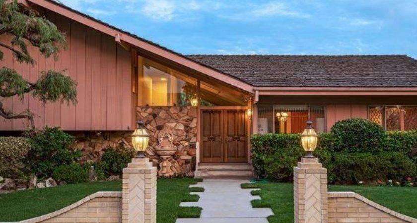 Brady Bunch House Sale But May Torn Down Deadline