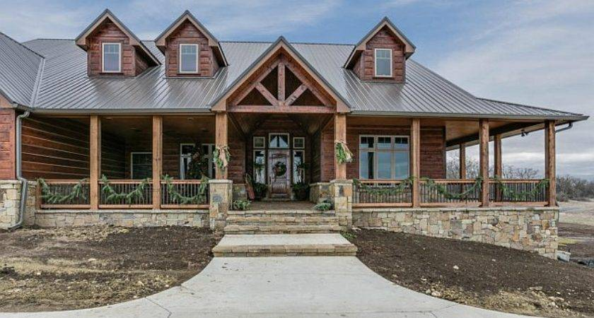 Breathtaking Lodge Type House Amazing Interior