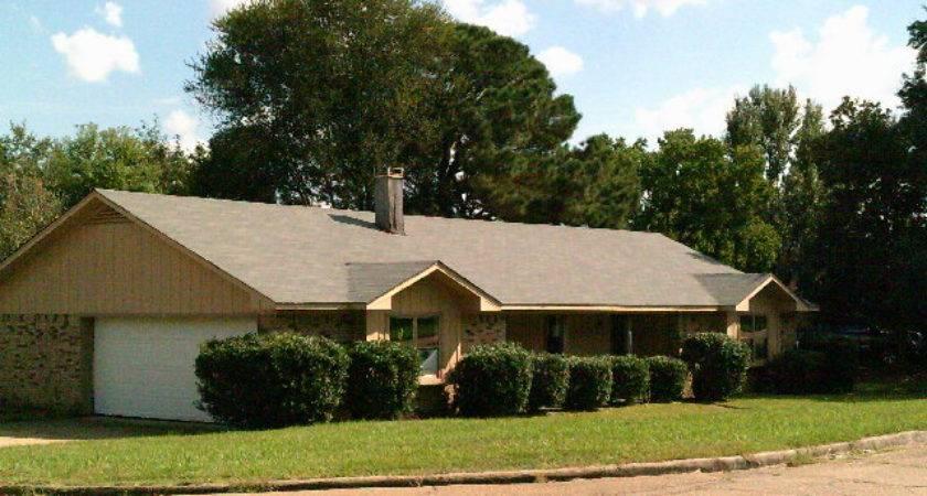 Casa Urbano Clinton Detailed Property Info