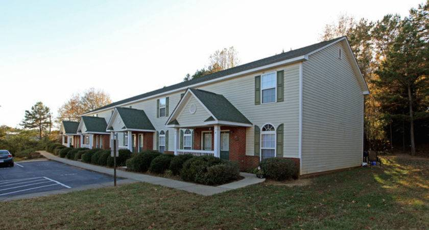 Cedar Bend Town Homes Rentals Monroe Apartments