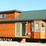 Cozy Park Model Cottage Looks Like Lincoln Log
