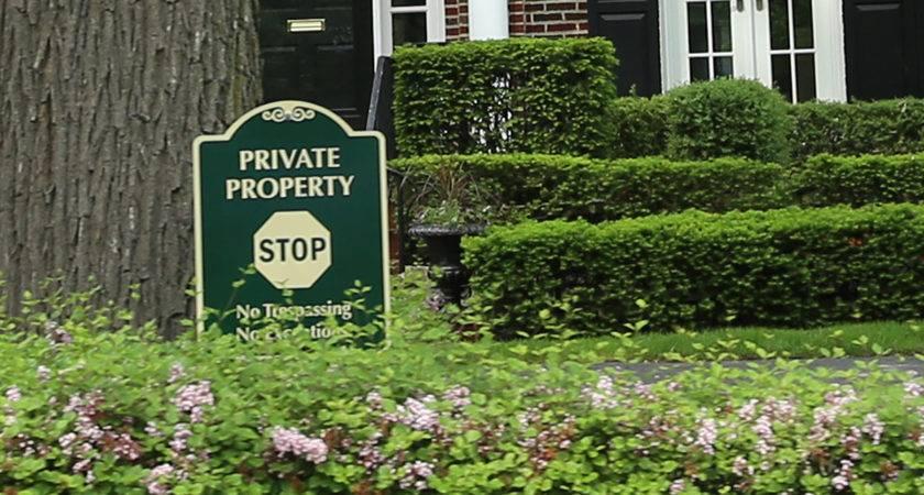 Don Challenge Signs Like Rich Neighborhoods