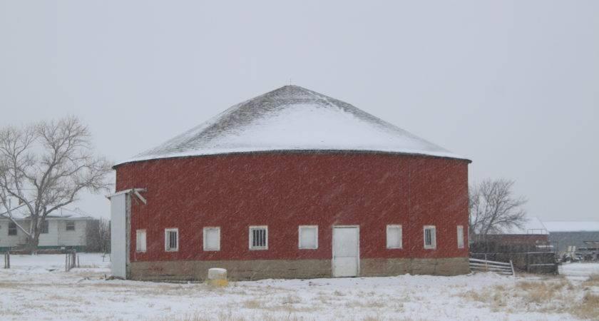 Exactly Many South Dakota Round Barns Documented