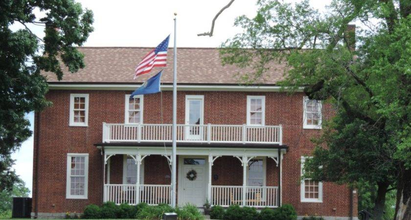 House Turned Visitors Center Richmond Dream