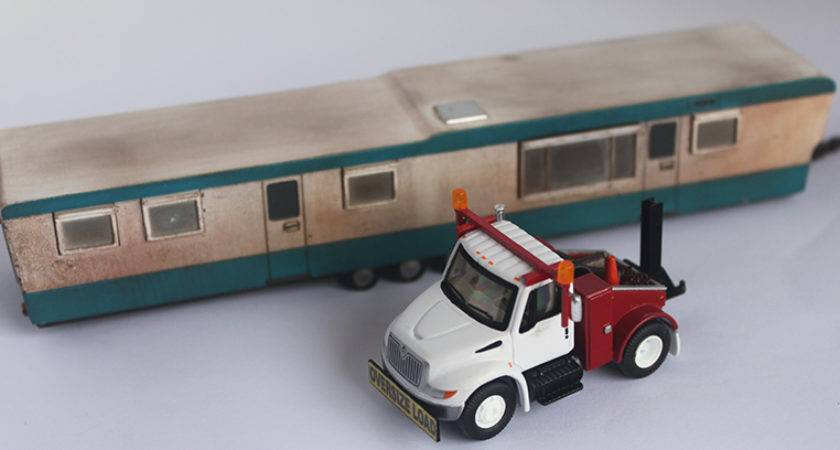 International Mobile Home Toter Truck Tractor Leland Henry
