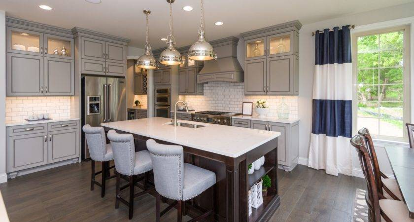 Kitchen Design Trends Take Model Homes