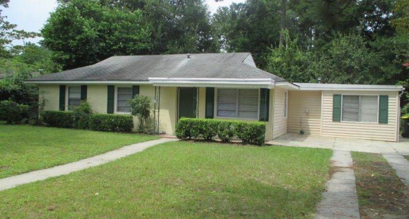 Lyn Avenue Savannah Rent Homes