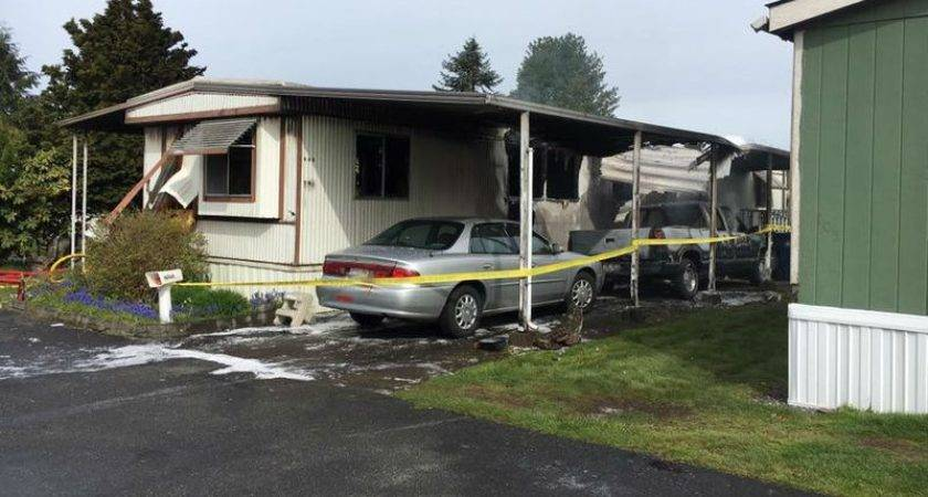 Man Dies After Neighbors Rescue Him Mobile Home Fire