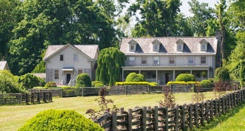Martha Stewart House Canitoe Bedford