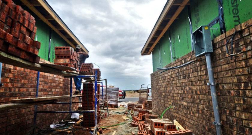 Midland Odessa Texas Builders Keep Laying Down Slabs Despite Drop