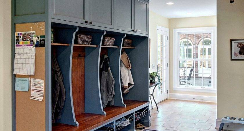 Mudroom Lockers Bench Manage Your Favorite Clothes