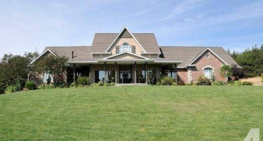 Nice Acreage Two Homes Sale Owner