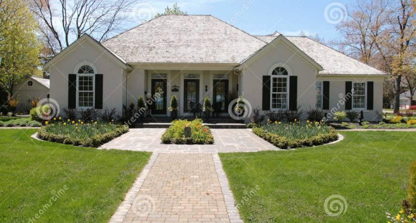Nice House Symmetrical Landscaping
