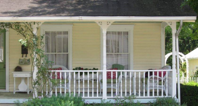 Older Homes South Usually Have Front Porches Probably Evolving