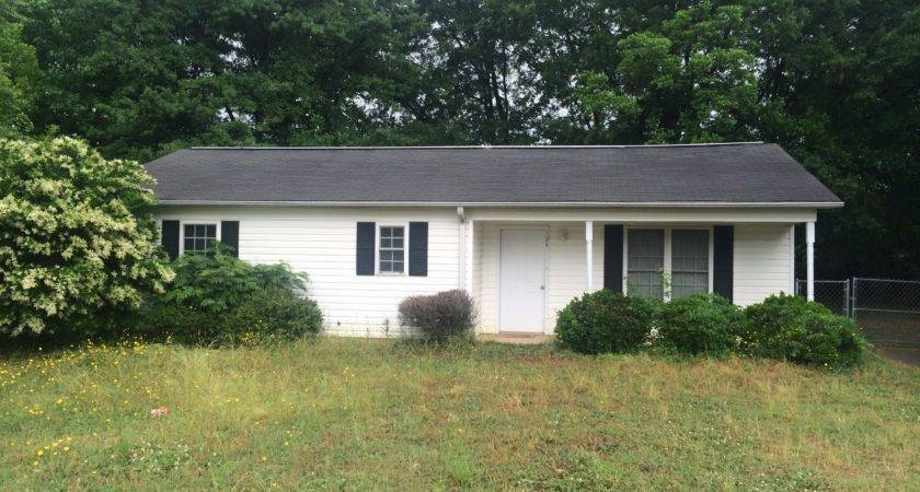 One Story Ranch Style Home Rent Spartanburg