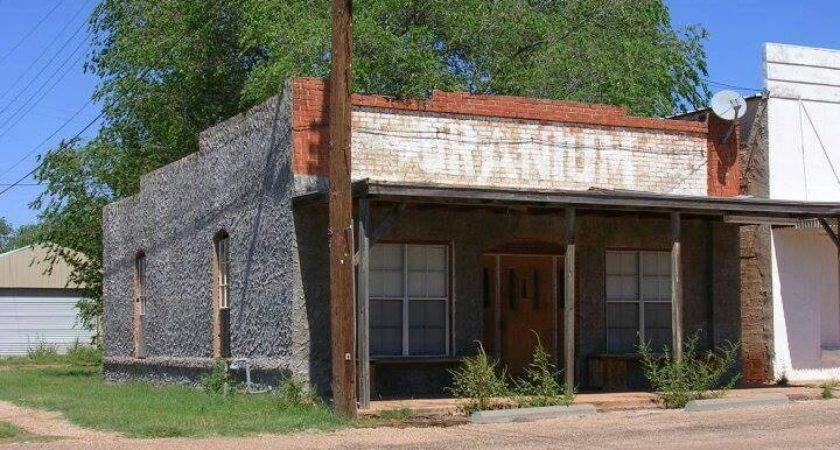 Rotan Uranium Sitting Parlor Rooms Had Wooden Boxes