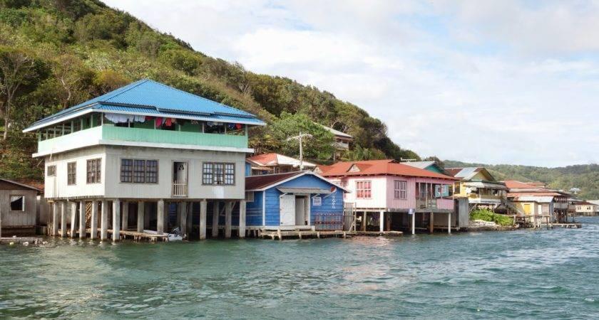Roving Gnome Travel Blog Roatan Honduras Scuba Diving West