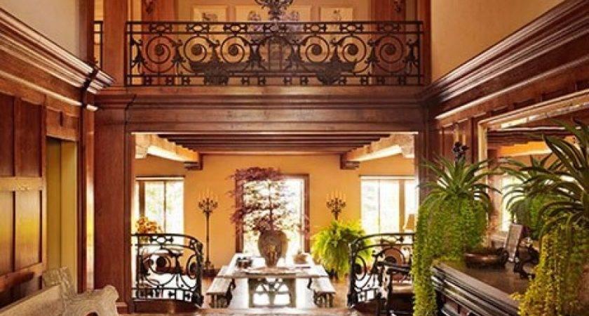 Sneak Peak Inside Martha Stewart Maine Estate Pursuitist