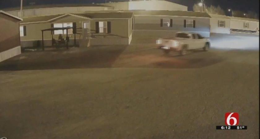 Tulsa Oakwood Homes Hopes Video Help Nab Thieves