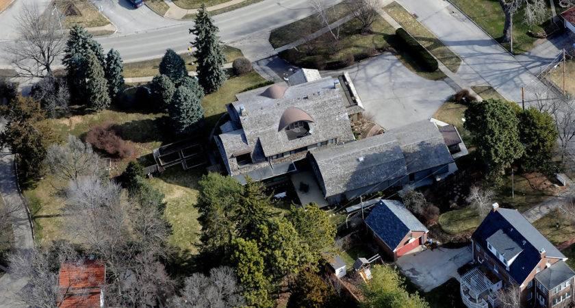 Warren Buffett Home